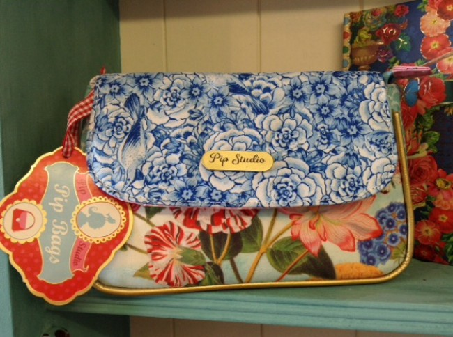 Royal PiP Flap Cosmetic Bag
